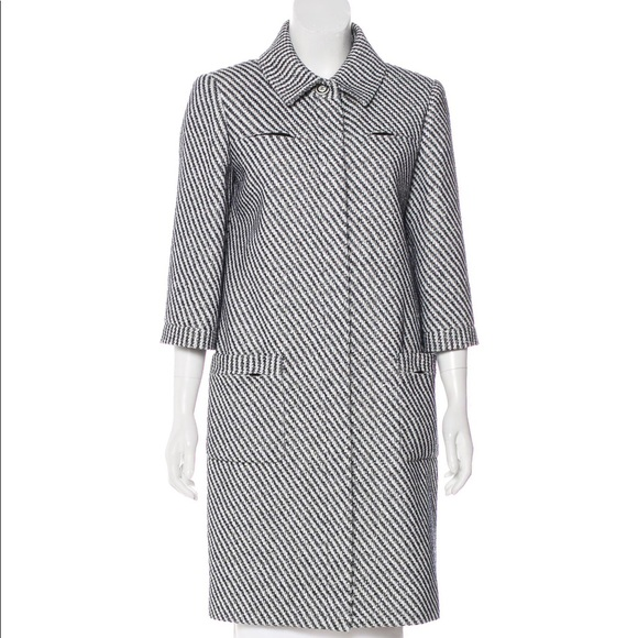 7354e32c4d5 CHANEL Navy Blue and White Fantasy Tweed Coat